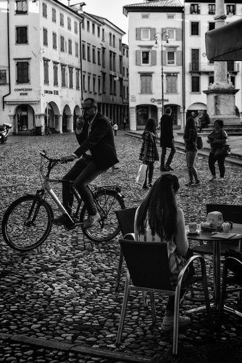 #Black&White #bicycle #bike #blackandwhite #break #moments #relax #scattonando #slowly #square #urbanscape