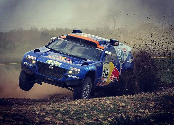 Push it to the limit - Depping takes control over corner EEprojects Rally Autosport Motorsport Volkswagenmotorsport VW Speed Gravel Car Sportscar Germany Rallycar Driving Pushtothelimit Masculine Service Dakar Offroad Champion 4x4 Race Racing Extreme Igshotz Ig_masterpiece dakarrallysuvbadassmachineswhatsyourweaponrallyhd