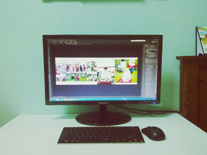working in the morning.. Editing Weddingalbum Redteaphotography Weddingphotographer