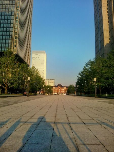 Walking Around The City  near Tokyo Station Tokyo,Japan Sunset Sunset_collection Sky_collection PhonePhotography Urbanphotography Light And Shadow Streetphotography