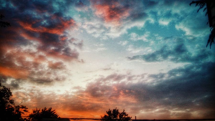 Sunset #sun #clouds #skylovers #sky #nature #beautifulinnature #naturalbeauty Photography Landscape [ Beautiful Nature Beauty Of Nature Find Beauty Anywhere You Can Road Side View Walking Around Taking Pictures Roadside Shots Smartphone Photography Hahahaha 😂😂😂😂😂 Original Experiences Amazing View