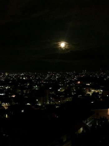 Lua cheia Night City Building Exterior Illuminated Architecture Cityscape Built Structure City Life No People Nature