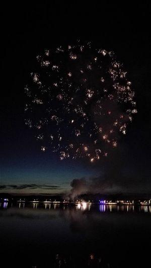 Explosions .... :-) Feuerwerk Hafenfesttage Aesthetic Photos Feuerwerksfotografie Illuminated Night No People Outdoors Sky