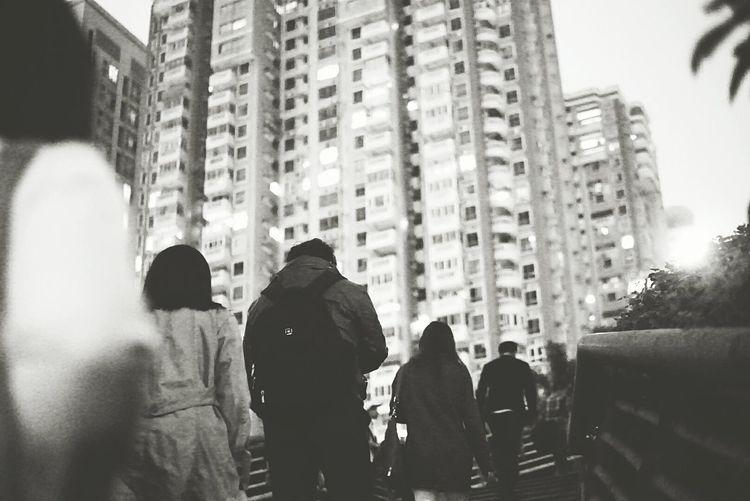 天天都要爬上这横跨两座 城的天桥Guangzhou Walking On The Street