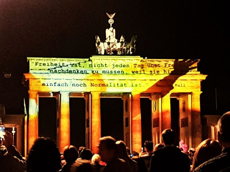 FREIHEITBERLINHappeningPlace EventPhotography People And Art Silhouette_collection Festivaloflightsberlin Brandenburger Gate Brandenburger_Tor BERLINKANNFREIHEIT Night Photography Berlin Festival Large Group Of People Architecture Event Night Illuminated Group Of People Freiheitberlin Event Happening #FREIHEITBERLIN