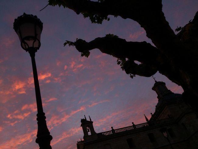 Otro bonito atardecer. Esta vez tomando una cervecita Sunset Sky And Clouds Somosfelices Streamzoofamily