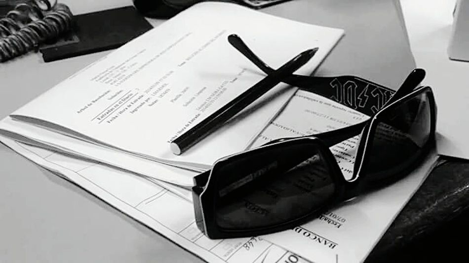 Working Blackandwhite Precision Glasses Pen Ac Dc  Smart Simplicity