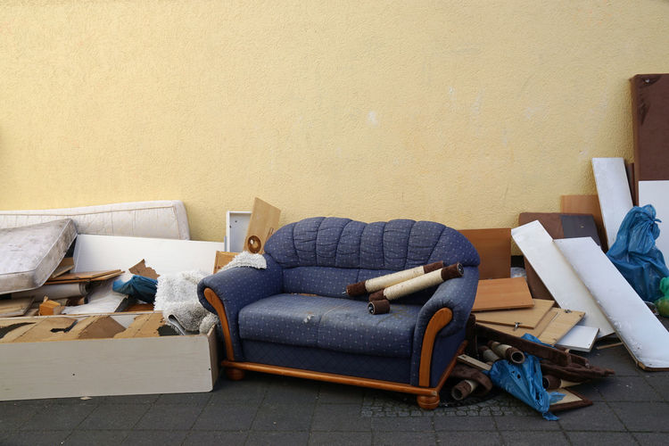 Broken Bulk Couch Discarded Furniture Garbage Group Of Objects No People Old Rubbish Sofa Sperrmüll Street Thrown Out Trash Urban