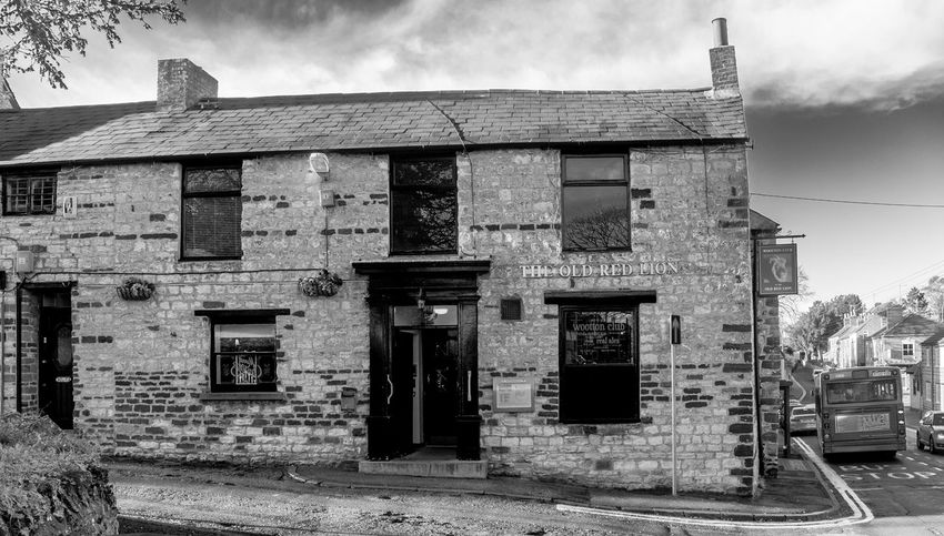 The Old Red Lion, Wootton, Northamptonshire Village Architecture Black And White Monochrome Northamptonshire Pubs Northampton Pubs