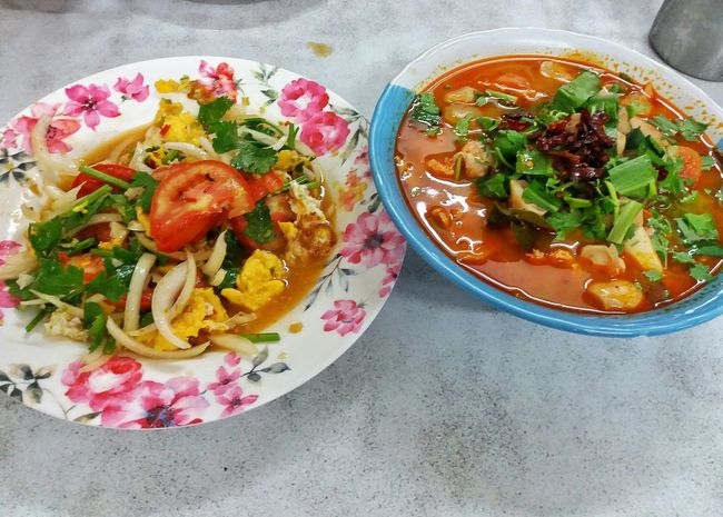 Thai Food Thai Food Tasty Soup Spicy Food Fried Egg Salad Food Bowl Food And Drink Table Freshness Healthy Eating Bangkok Bangkok Thailand Thailand Foodphotography Delicious Vegetable Vegetarian Food Indoors  No People Appetizer Day Cup Restaurant