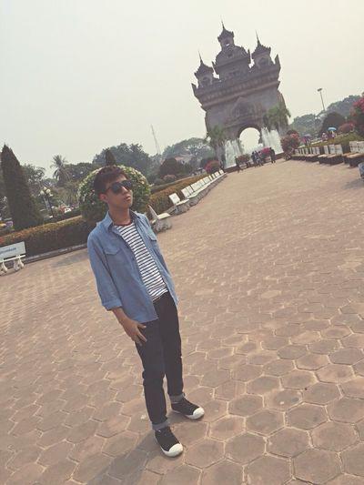 LAO ประตูชัย