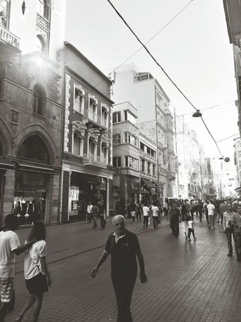 Walking Around Istiklal Caddesi Capa Filter Bw