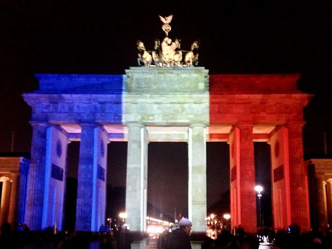 Berlin Brandenburger Tor Paris Flag Frenchflag Prayforparis Berlin