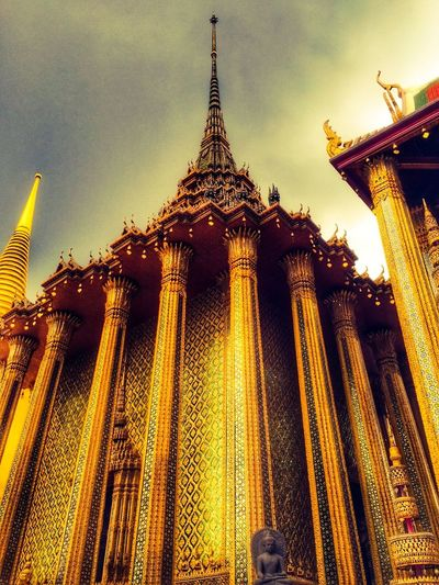 43 Golden Moments Architecture Architectural Detail Glitter Gold Thailand Temple Religious Architecture Religion And Tradition Past Glory History Architecture Showcase June Wat Pra Kaew
