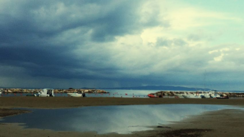 Checkthisout Winterwonderland Sea And Sky Ilmaredinverno Toscany EyeEm Nature Lover Eye4photography  Sea_collection Stormy Weather Storm Clouds Malinconia Melancholy Earth_Collections Earthphoto Capture The Moment Capture_today
