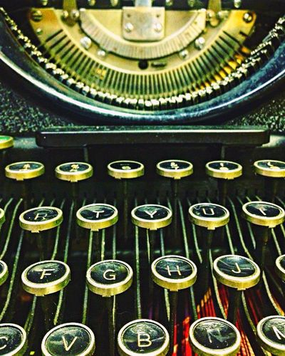 """It's not about the words you say. It's about the energetic message you send."" ~ Pete Carrol Typewriter Close-up Old-fashioned No People Amateurphotography Antique First Eyeem Photo"