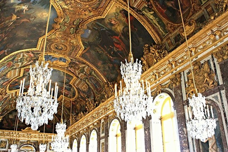 the Hall of Mirror in palace Versailles Check This Out Versailles Palace Taking Photos Architecture
