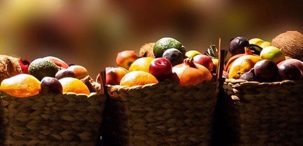 Obstkorb in Hamburg Obstkorb  Food Food And Drink Healthy Eating Fruit Freshness Wellbeing Choice Outdoors Abundance Retail  Basket Apple - Fruit Focus On Foreground Still Life Orange Color Close-up Variation Large Group Of Objects Multi Colored No People