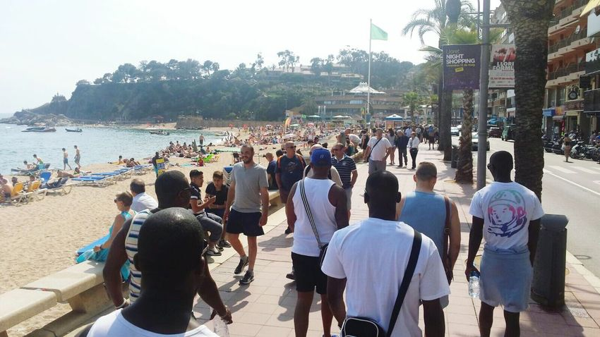 Last stroll in Lloret before we flyout Spain ✈️🇪🇸 Barcelona Lloret Del Mar, España Vacations Football Tour Friendship BIFC Togetherness Footballislife Enjoying Life Selfie✌ Self Portrait Beautifulview Large Group Of People Beach Tourism