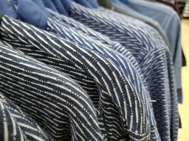 Clothes shop abstract Close-up Clothes Clothes Rack Clothes Shopping Shirt Shirts Shirts Shop Hangers Detail Shopping Time Shopping Objects ındustry Commerce Shopping Mall EyeEm Ready