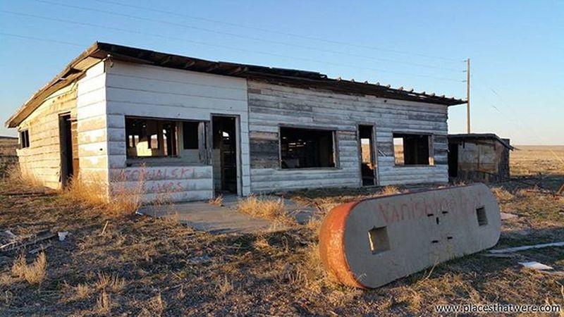Abandoned Gas Station Utah Abandoned Urbanexploration Urbex Abandonedplaces Cisco Picoftheday Abandonedutah Abandonedamerica Ciscoutah Antique Ghosttown Photography Amazingplaces FUSE Fuses Ghosttowns Gasstation Abandonedbuildings Abandonedbuilding Utahghosttown