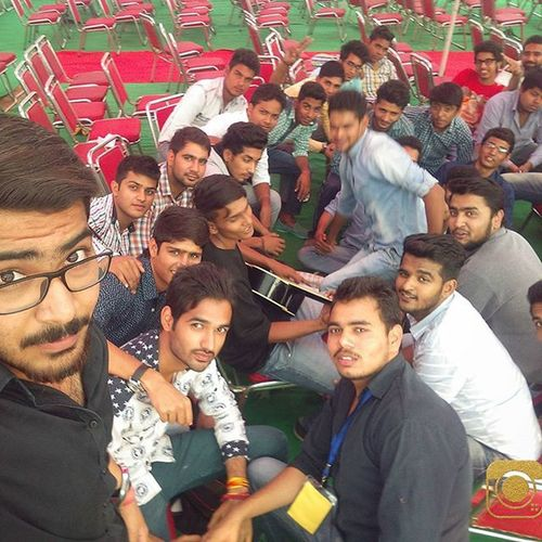 Daytwo 😘 SelfieEIGHT 😅 Unifest 2K15 😍 . Guitar Love Brothers Masti 🎶🎸