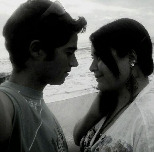 As long as you love me... 💜 Love Amor Black & White Couple Iloveyou First Eyeem Photo Hello World Blancoynegro Amoreterno Ilovehim