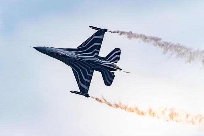 2016 Sanicole Airshow Belgium Airplane Airshowphotography Blue Cloud - Sky F16fightingfalcon Low Angle View No People Sanicole Sanicoleairshow Sky Upside Down First Eyeem Photo