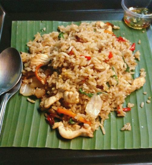 Rice Topped With Stir-fried Pork And Basil Thaifoods ThaiFoodGoodTaste Thaifoodstyle Thaifood Thai Food Thaifooddelicious Fried Rice Thai Food Asian Food