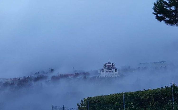Santuario Valdragone nella nebbia... Sanmarino Italia Emiliaromagna Santuary Italy Repubblicadisanmarino Domagnano Republicofsanmarino Fog Nebbia Instaphoto Instamoment