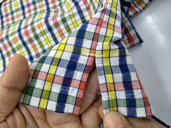 how to make shirt Checkered Pattern Shirt Button Down Shirt Garment Design Garment Factory How To Measure Cotton Fashion Industry Fashion Photography Fashion Sewing Plaid Side Vent Vent Human Hand Low Section Multi Colored Close-up