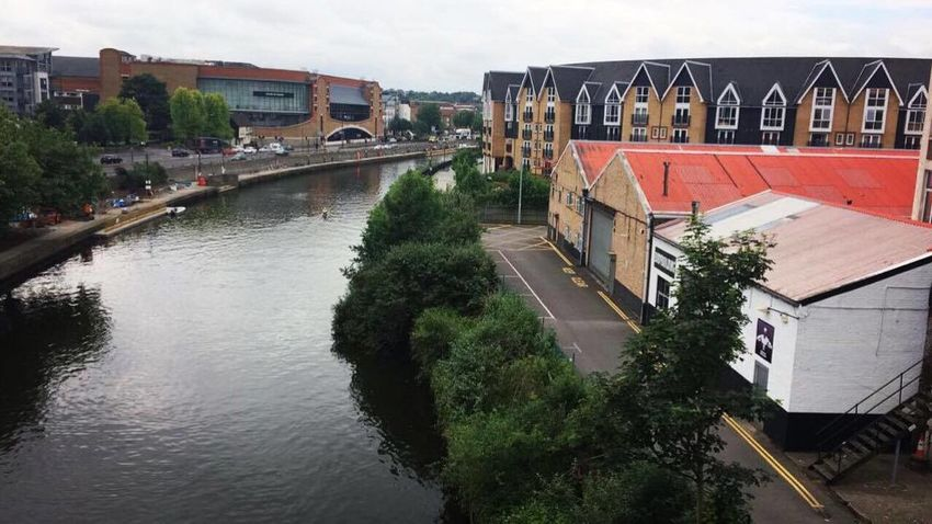 A view of Maidstone from the bridge connecting Maidstone Barracks and Maidstone East train stations. Amateurphotography Amature Bridge - Man Made Structure City Connection Day EyeEmNewHere Kent Maidstone No People Outdoors Reflection River Sky Town TOWNSCAPE Transportation Tree View Water