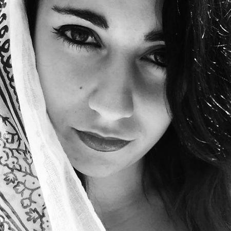 En sus ojos estaba la tierra, y en su pecho... Un gran iceberg. Fin. Me Selfie Girl Litllemer Selfportrait Photooftheday Photography Blackandwhite Makeup Blancoynegro Eyes Beauty Mirada  Melancolia Buenastardes Bt