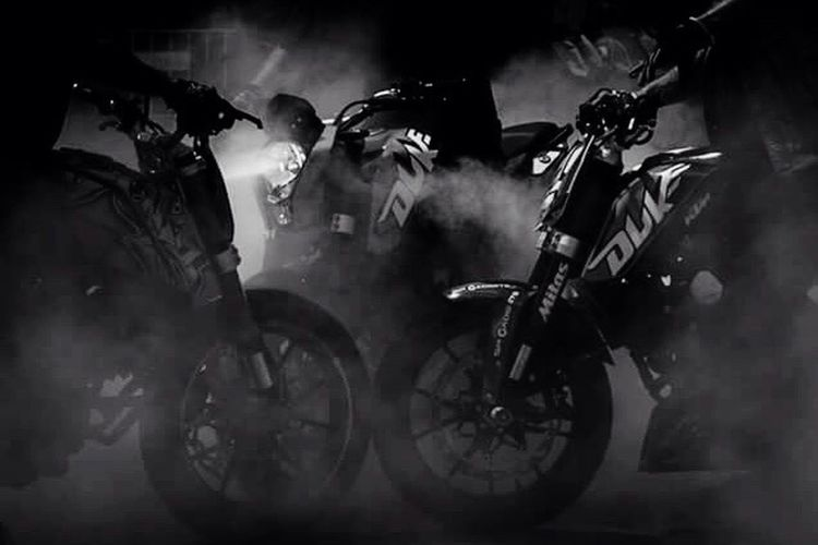 Smoke - Physical Structure Arts Culture And Entertainment Blackandwhite Photography Black And White Blackandwhite Light And Shadow Ktm KTM Duke200