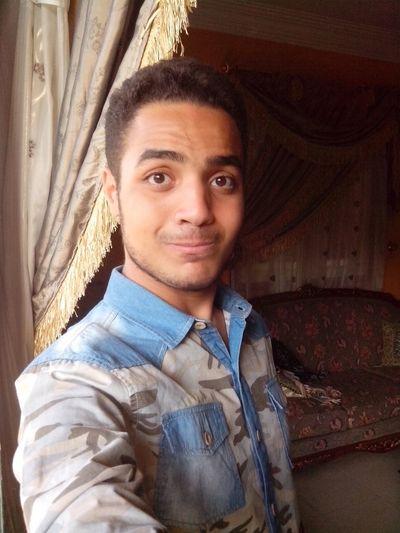 Earlier This Morning (: Cheese! That's Me Moustache Brown Eyes Army Shirt Ravin Taking Photos Enjoying Life Egypt Egyptian Fashion First Eyeem Photo