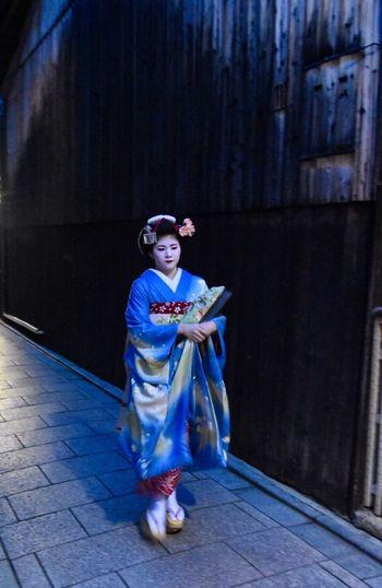 Japan Geisha Geishas Geishagirl Maiko Maikosan Kyoto Gion Gion Kyoto Twilight Geisha District Memoirs Of A Geisha Japan Photography Japanese Culture Travel Art Is Everywhere EyeEmNewHere The Portraitist - 2017 EyeEm Awards