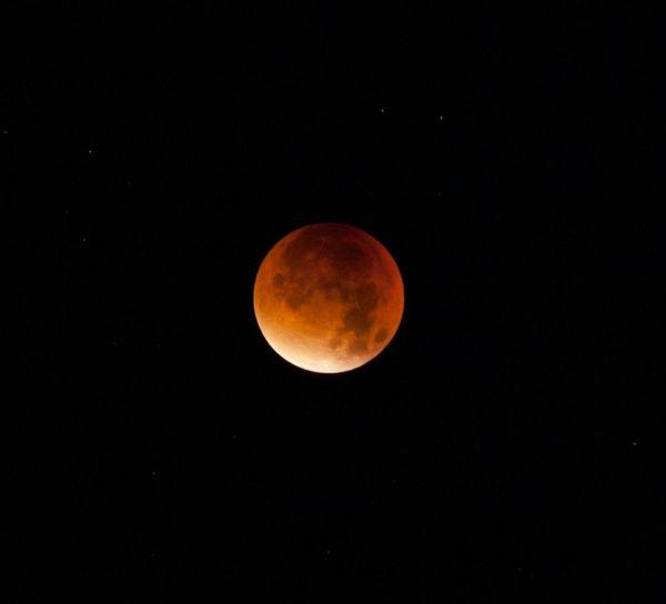 Supermond2015 und Blutmond = Mondfinsternis 2015 - fotografiert vom Feldberg im Taunus