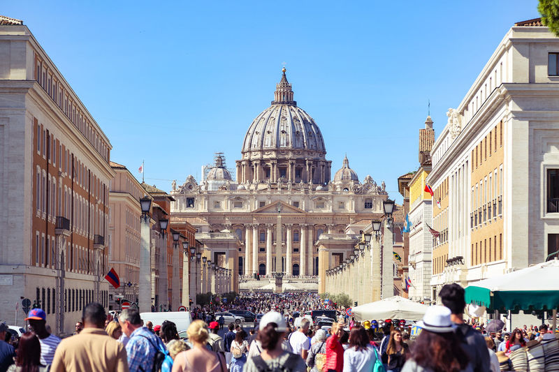 Crowd Visiting St Peter Basilica In City
