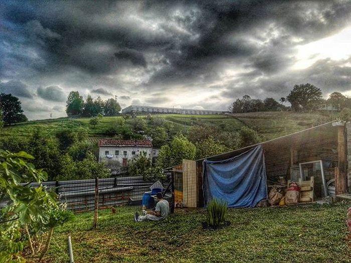 Nubes para despedir este maravilloso domingo! Amigos BBQ Amigosconhijos Babys COmoPasaElTiempo