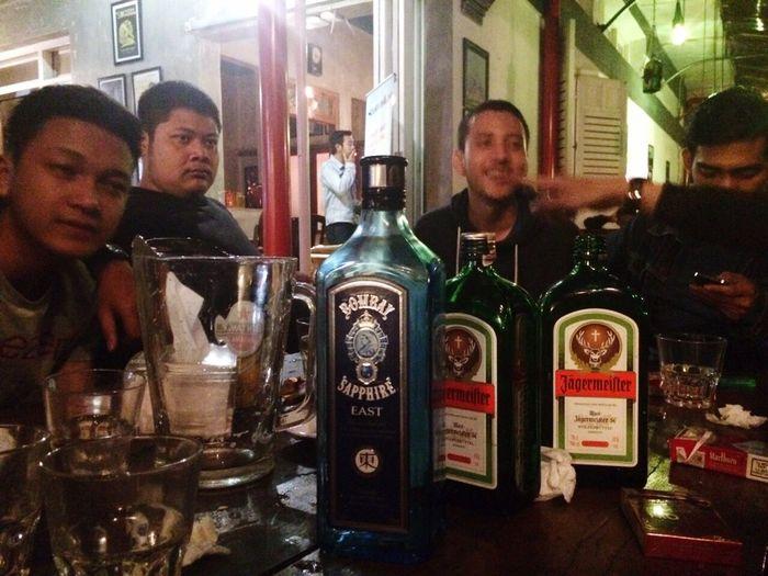 Fav 😍 Jägermeister Jagermeifter Bombay Sapphire Gin Tonic Drunk Nights Goodnight Good Friends Hanging Out Today's Hot Look Friends