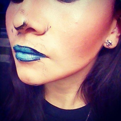 Motd Lipoftheday Nyxcosmetics Macaron lipstick blue velvet bhcosmetics contour galaxy palette bennye lagirlcosmetics unwearable makeup lotd