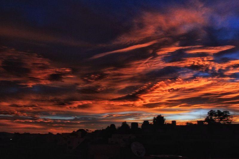 Amanecer Amanecer Rojo Fuego Ganjareta Momento De Ocio Nubes Rojo Sky