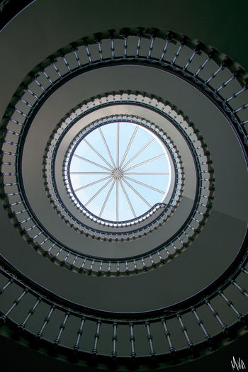 Ne pas tourner en rond... Spiral Staircase Stairs Staircase Nofilter Bordeaux Escaliers Lookingup Lookup