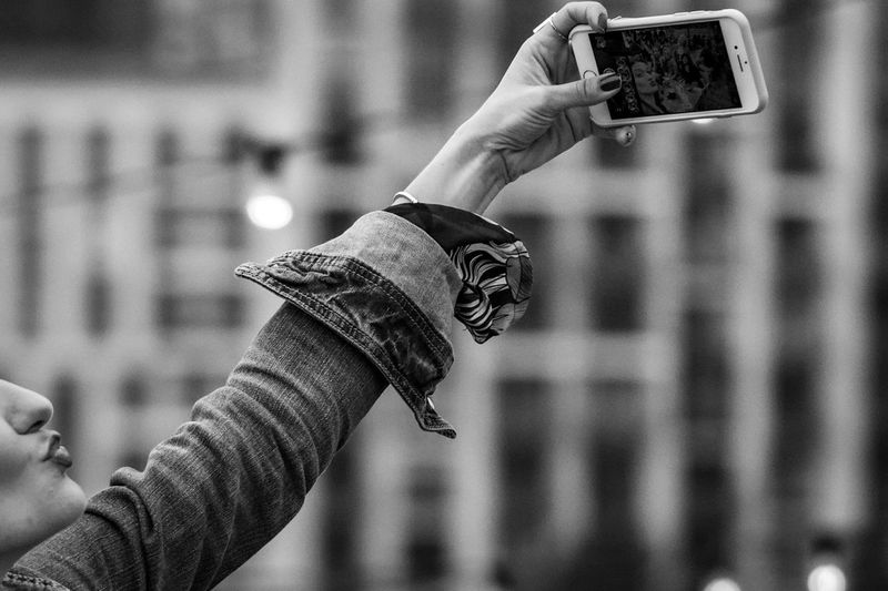 Selfie pout Black And White Photography Blackandwhite Photography Black & White Blackandwhite London Kiss Pouting Poutylips Pout Selfies Selfıe Selfie Portrait Human Hand Hand Photography Themes Focus On Foreground Holding Human Body Part Technology Photographing Smart Phone Real People Adult Close-up