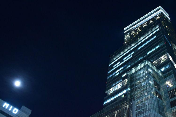 ウルトラスーパームーン🌕残念ながら見れなかった(.› ‹.) 🌃2016.11.12の13夜のお月さん。 Moon 月 ハルカス 天王寺 Night 13夜 写真で伝えたい Japan Photography ファインダー越しの私の世界 Eyemphotography Autumn EyeEm Japan EyeEm Best Shots Blue 11月