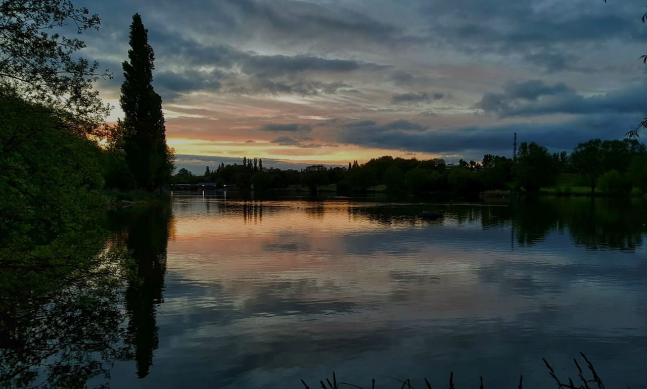 reflection, water, lake, nature, sunset, sky, tranquil scene, tree, tranquility, beauty in nature, no people, scenics, outdoors, cloud - sky, silhouette, day