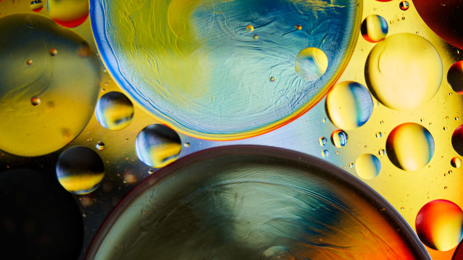 Full frame shot of oil and water