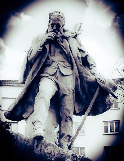 Moselle Lorraine France écrivain Monument Thionville Victor Hugo