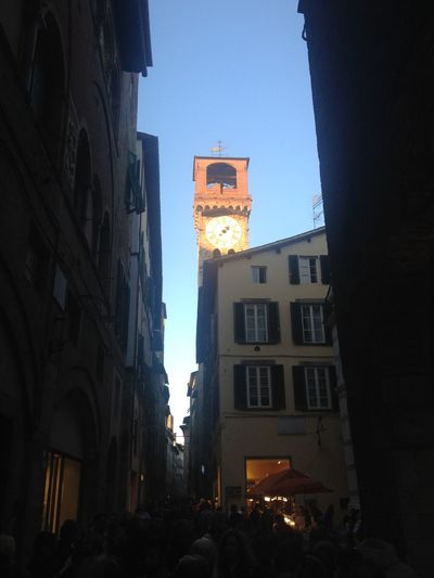 Lucca into Town