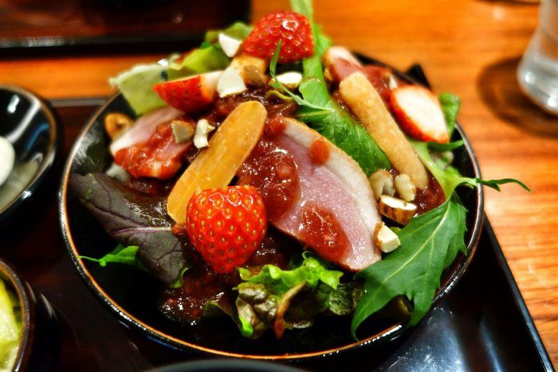鴨とイチゴのSPRINGサラダ